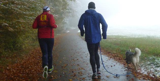 Lauffreund Sascha mit Ronja beim Schw. Albmarathon