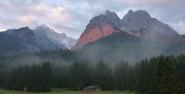 Das Wettersteingebirge morgens um halb 6