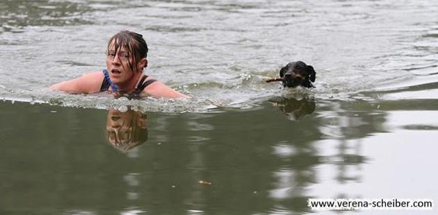 nochn_schwimmbild
